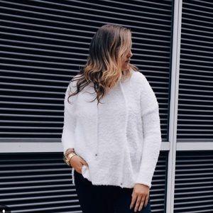Sweaters - Plush white hoodie